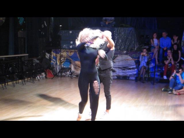 2017 02 18 sambafanaticos 5 shows 1 Jorge Irina