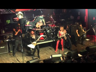 Lita Ford - Cherry Bomb with Lzzy Hale and Dorothy - Webster Hall NYC  4-27-16
