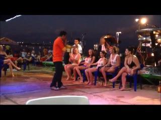 Wet t shirt - bikini contest show in Spanish