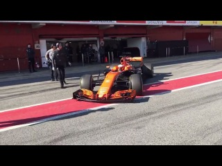 F1 2017 McLaren MCL32 came back in the Box! PURE ENGINE SOUND!