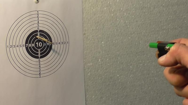 двухствольный пистолет из карандаша и батарейки