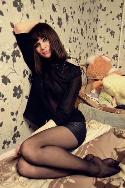 Bigboobed model veronica avluv undresses down