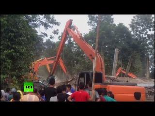 Более 50 человек стали жертвами землетрясения в Индонезии