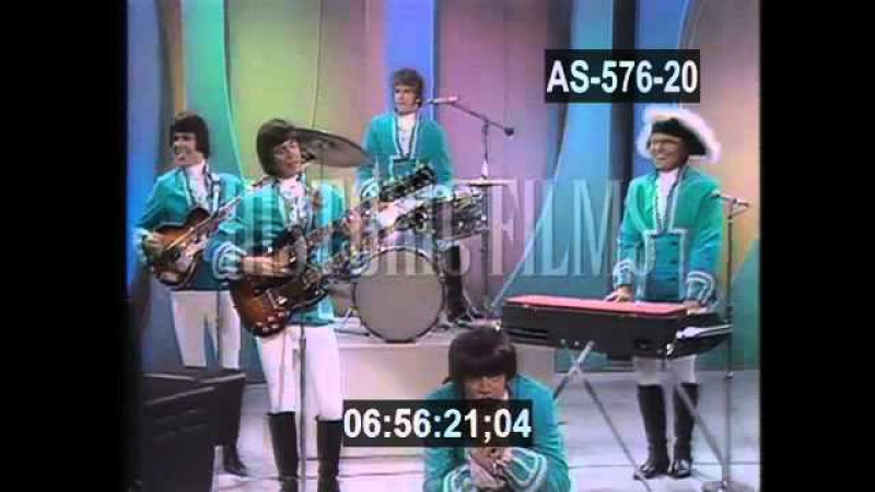 PAUL REVERE AND THE RAIDERS - KICKS - 1967
