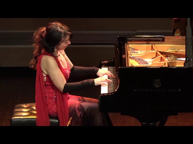 Brazilian pianist, Eliane Rodrigues, LITERALLY taking the performance below the stage!