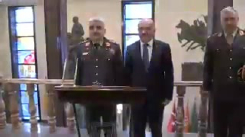 Еще Milli Savunma Bakanı Sn. Fikri Işık, Afganistan Genelkurmay Başkanı Org. Sn. Kadem Shah Shahimi kabul etti.