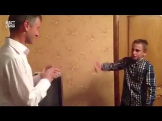 Сын зачитал папе на день рождения