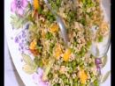 Салат из бурого риса с семгой и манго