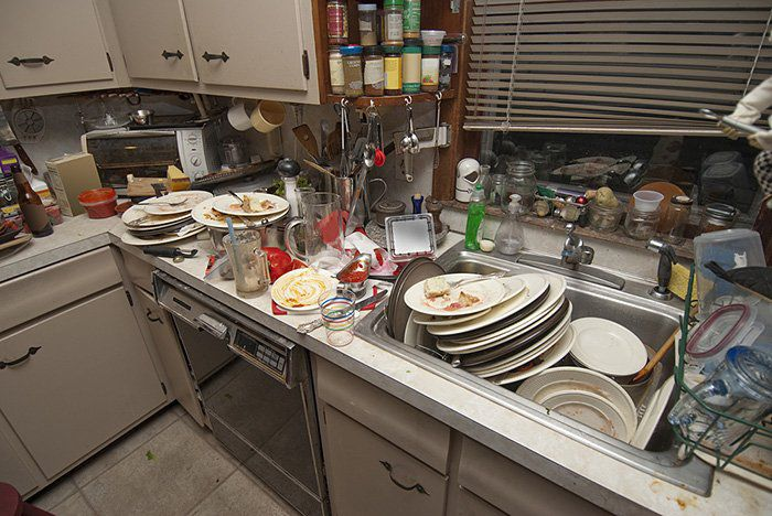 гора посуды