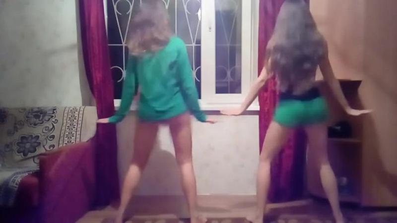 HOT GIRLS TWERK FAIRY ON OMEGLE PART 2