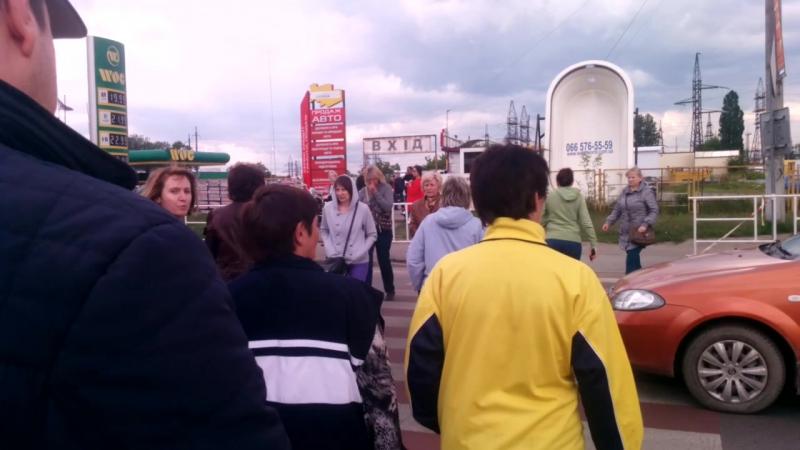 Мешканці вулиці Б Хмельницького перекривають трасу Львів 17 05 16 смотреть онлайн без регистрации