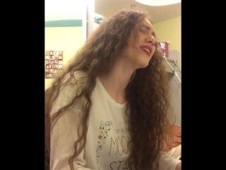 IOWA - 3 дня холода (Кудрявая девушка красиво поет , классный голос)