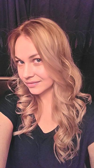 Анна Лова