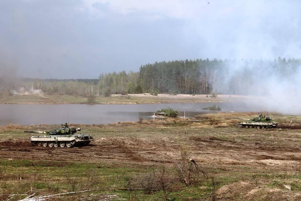 Військові аташе відвідали навчальний центр Високомобільних десантних військ