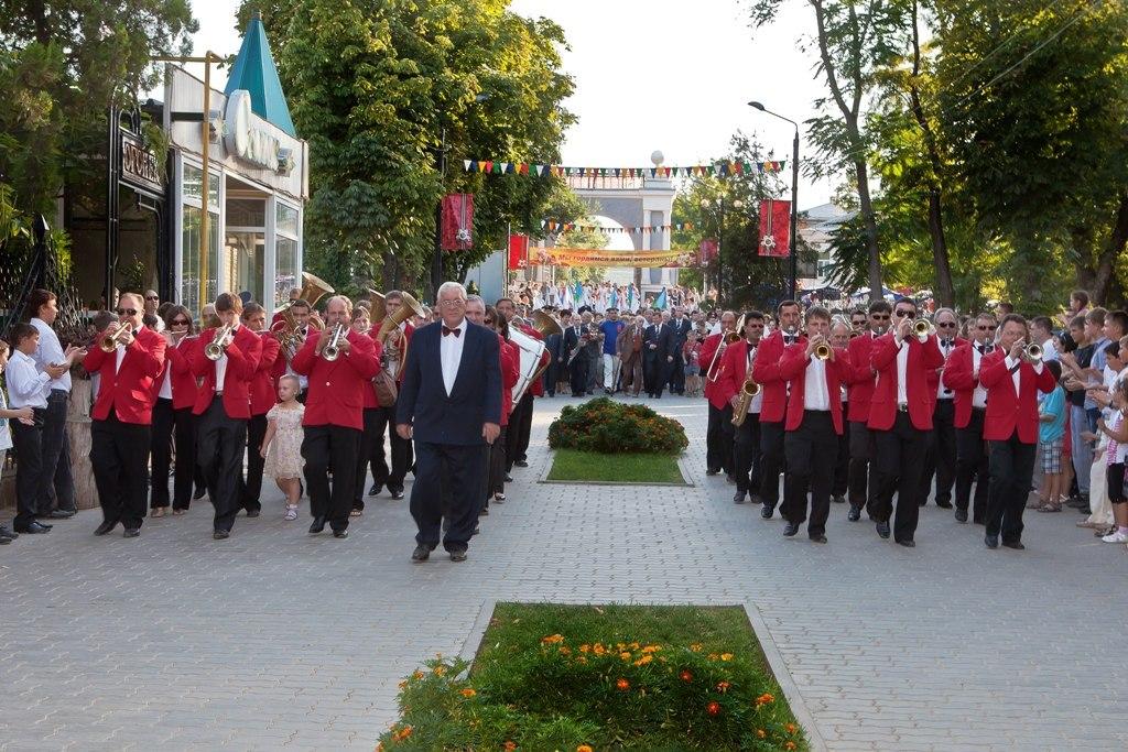 Ко Дню освобождения Таганрога парк Горького подготовил праздничную программу