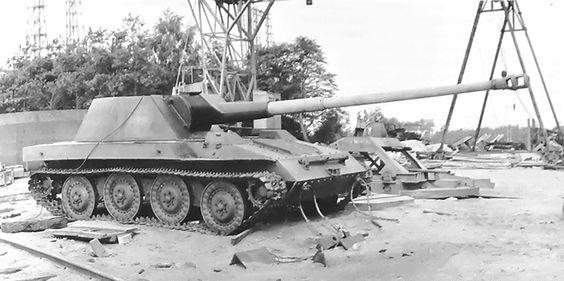 Waffentrager 8.8cm KwK 43 L/71 немецкий эксперементальный истребитель танков.