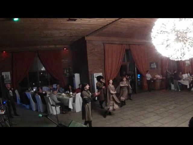 360 Live - Традиционные танцы и тосты в Грузии, в туре за недвижимостью от ORBI GROUP.