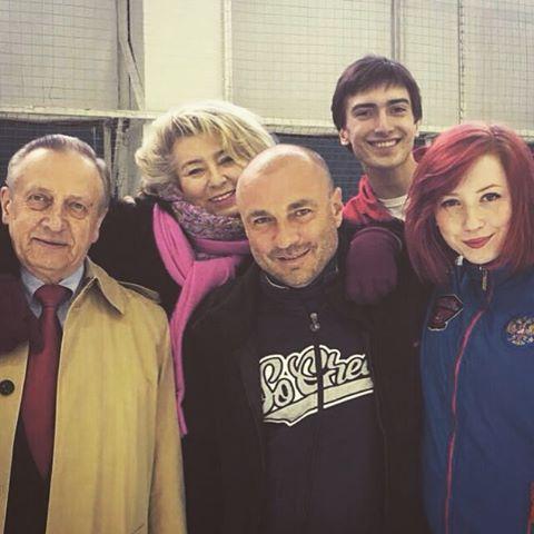 Тиффани Загорски- Джонатан Гурейро - Страница 6 NYXZrsyNyMU