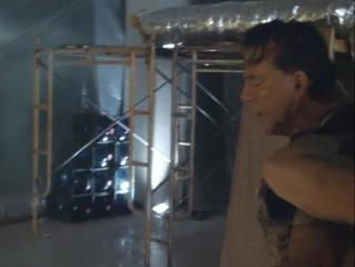 Под огнём 1998. Лучший эпизод из фильма. Микки Рурк против Дэнни Трехо. Сцена -2
