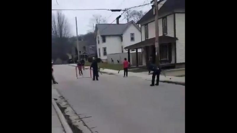 американские копы и уличный хоккей