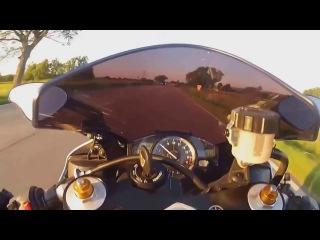Везунчики на мото. Как погибают на мотоциклах. ЖЕСТЬ! Подборка опасных моментов