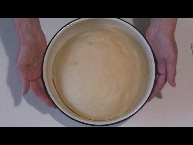 Дрожжевое тесто для выпечки пирожков,расстегаев и кулебяк