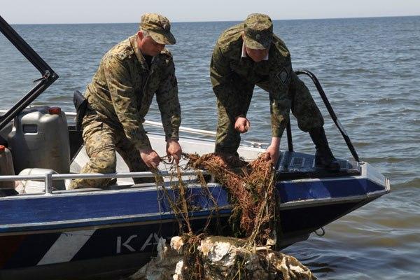 В Таганрогском заливе сотрудники Пограничного управления ФСБ задержали браконьеров