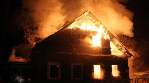 В Якутске в огне погибла женщина