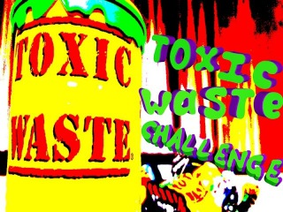 Новое видео Новогодний Toxic Waste Challenge Самые кислые конфеты в мире Интересный чел ...