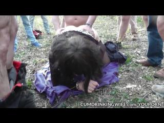 Старая шлюха ебется с толпой в лесу [dogging, wife, sharing, outdoor, milf, marion, public, gangbang, creampie, bareback, swinge