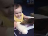 Реакция ребенка на Коран. child's reaction to the Qur'an