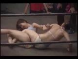 Борьба девушек в бикини