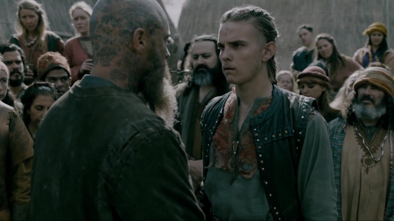 Ragnar returns to Kattegat