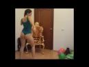 Моя подруга танцует тверк голой жопой