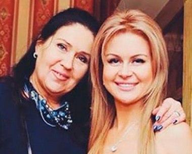 Марина Африкантова продолжает платить за Андрея Чуева.