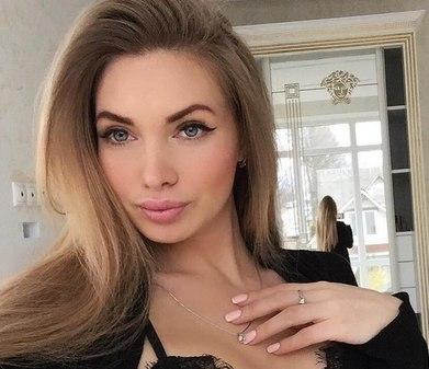 Евгения Феофилактова собралась пойти в политику.