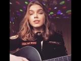 Елена Темникова - Вдох (Милая девушка в форме классно поёт)