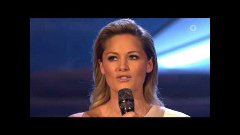 Helene Fischer küsst gleich zweimal Florian | Kuss Interview Adventsfest 2016