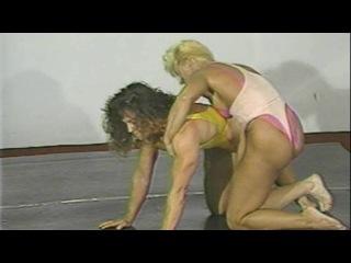VV29 Virginia Brady vs Mimi Hitzman 3 - Hard Women Wrestling, Real Female Muscles