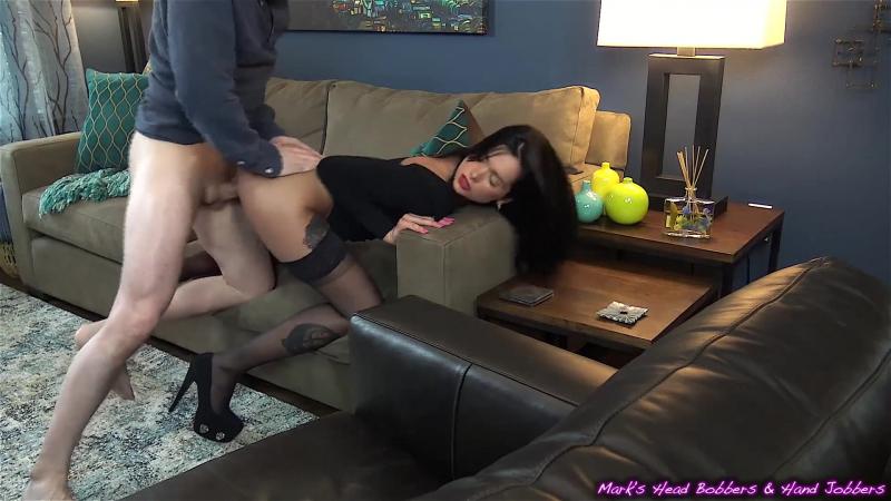 Хуем, секс с брюнеткой в чулках и на каблуках
