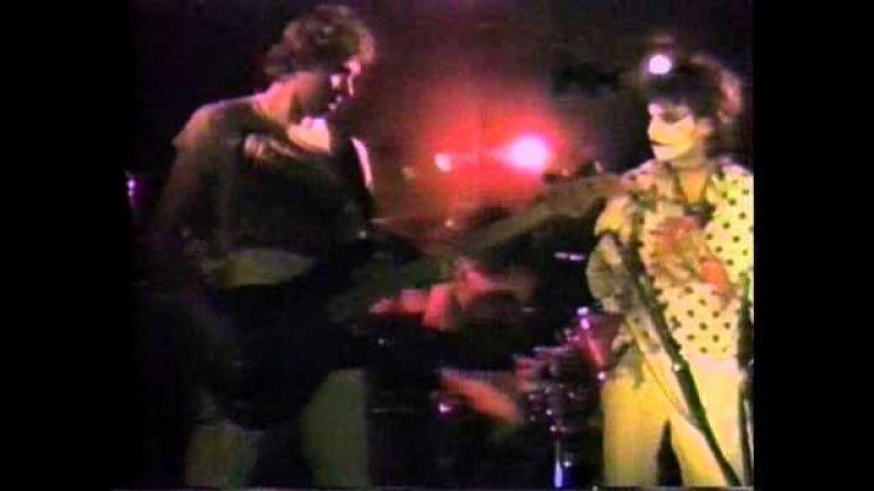 ADICTS LIVE @ MANHATTEN CLUB BRADFORD UK 1983