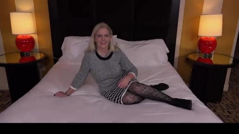 Сын трахнул свою любимую маму, mom POV mature sex incest fuck wife blond doggy hot ass cum tit (Инцест со зрелыми мамочками 18+)