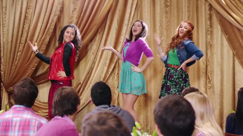 Violetta_ Momento Musical_ Naty, Fran y Camila interpretan Encender nuestra luz » Freewka.com - Смотреть онлайн в хорощем качестве