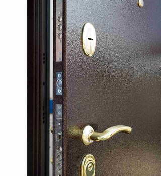 железные двери на дачу клин