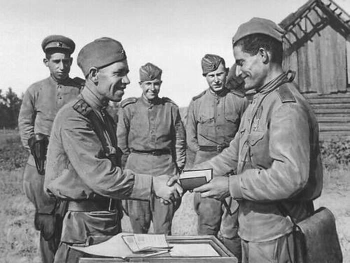 Картинки по запросу коммунисты на войне картинки