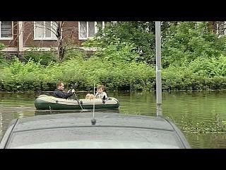 В Ульяновске сильный ливень вызвал настоящее наводнение в одном из районов города