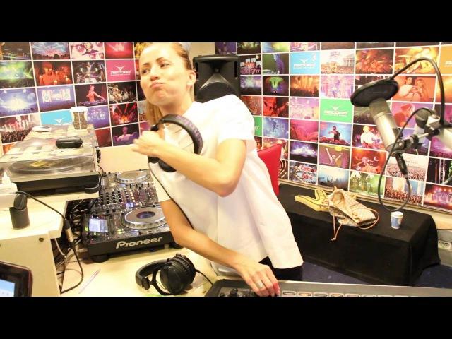 Lady Waks In Da Mix 391 (10-08-2016)