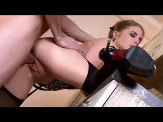 19 летняя красотка смачно трахается, инцест, 18+, русское порно, секс, анал, частное, домашнее