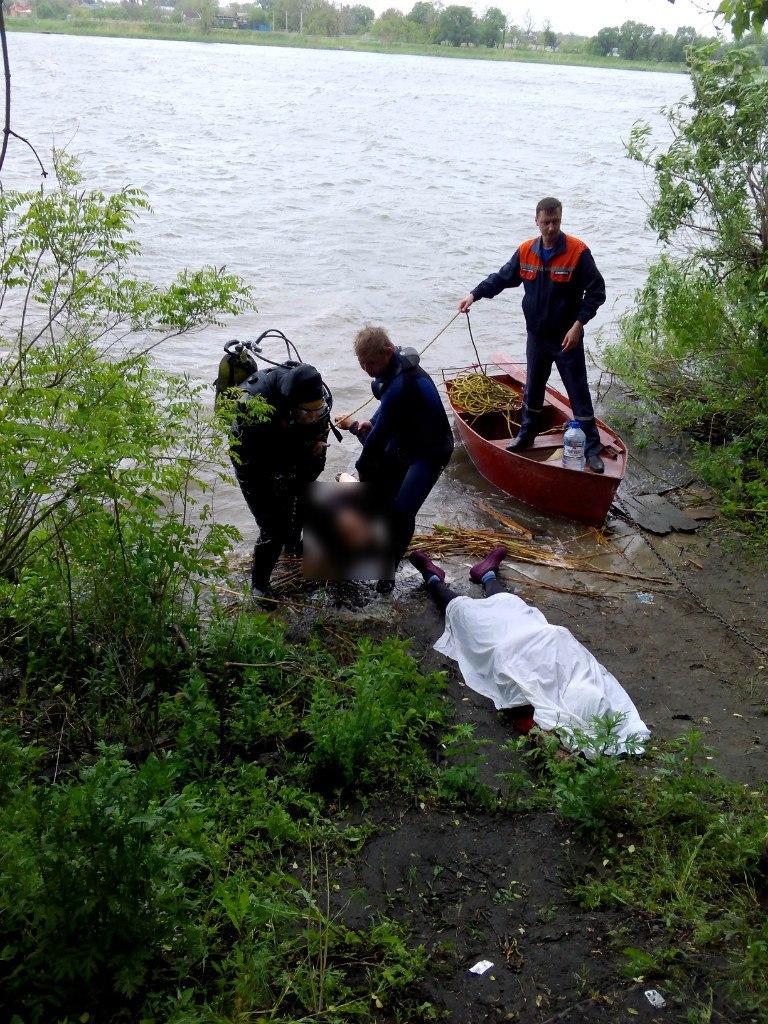 В Ростовской области прогулка по воде в грозу закончилась гибелью двух человек
