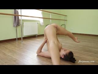 balerina-s-goloy-pizdoy-video